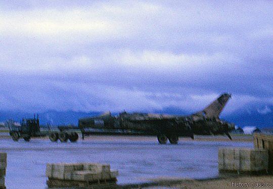 USA Vietnam-Krieg / Vietnam War - Da Nang - USAF United States Air Force zerstörte / destroyed Republic F-105 G Thunderchief