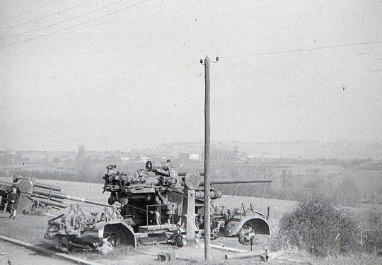 Wehrmacht Heer / Luftwaffe Flugabwehrkanone FLAK 38 10,5 cm / 105 mm (Rheinmetall) - Aufgegeben und Kriegsbeute der USA