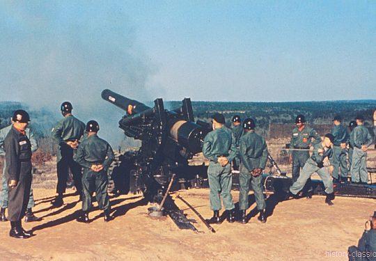 US ARMY / United States Army Schwere Feldhaubitze M115 203 mm / Heavy Howitzer M115 8 Inch