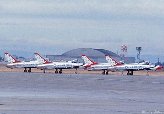 USAF North American F-100D - Thunderbirds