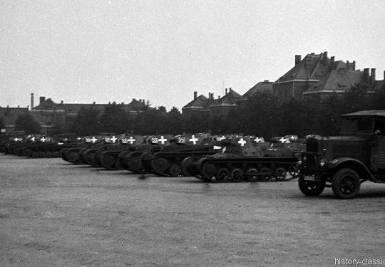 Wehrmacht Heer Panzerkampfwagen I PzKpfw I Panzer I Ausf. B und Panzerkampfwagen II PzKpfw II Panzer II