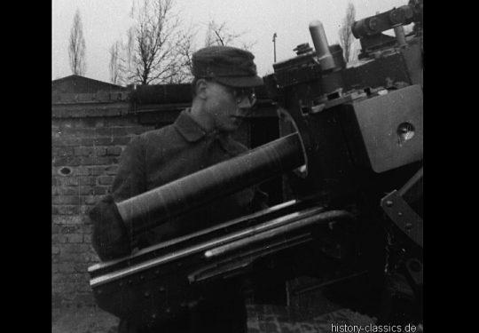 Wehrmacht Heer / Luftwaffe Flugabwehrkanone FLAK 36/37 8,8 cm / 88 mm (KRUPP)