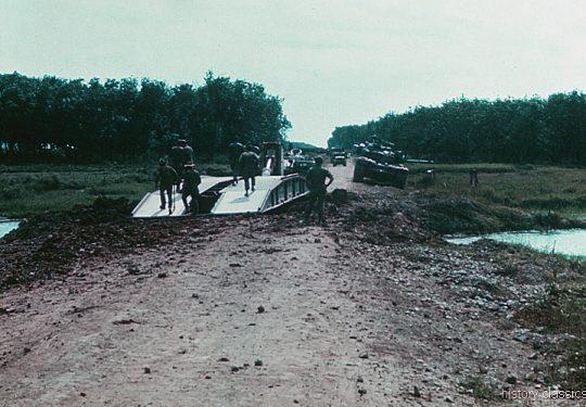 US ARMY Pioniere / Engineers -  Brückenlegepanzer / Tank Launcher Scissors Bridge M48