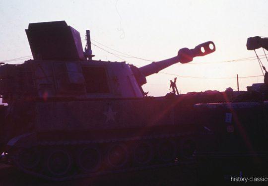 US ARMY / United States Army Panzerhaubitze M109 155 mm / Self-Propelled Howitzer SPH M109 6.1 Inch - Vietnam-Krieg / Vietnam War