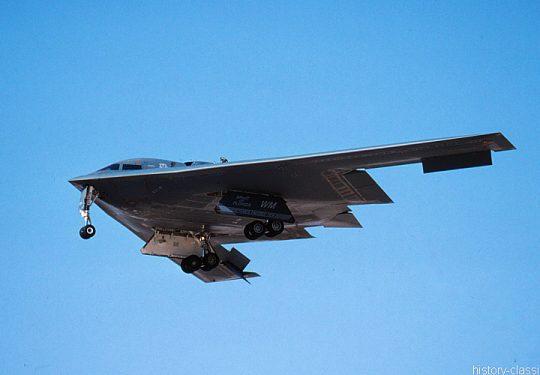 USAF United States Air Force Northrop Grumman B-2 Spirit Stealth Bomber