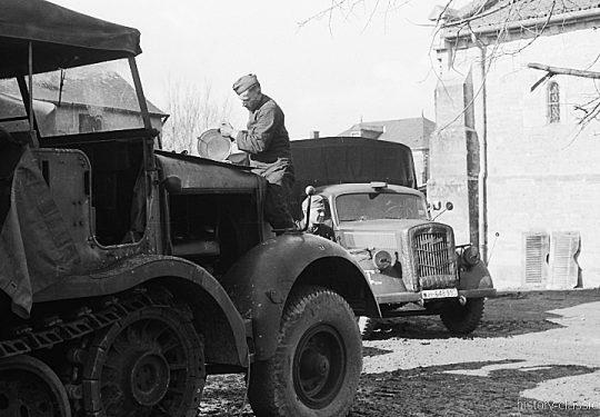 Wehrmacht Heer Sd.Kfz 8 Halbkettenfahrzeug / Mittlerer Zugkraftwagen 12 t