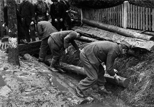 Wehrmacht Landser in alliierter Kriegsgefangenschaft / German Soldiers as POW