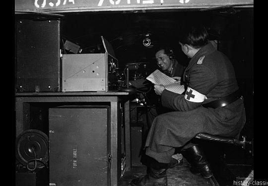 Wehrmacht Landser in alliierter Kriegsgefangenschaft / German Soldiers as POW - Mobile alliierte Funk- und Radiostation