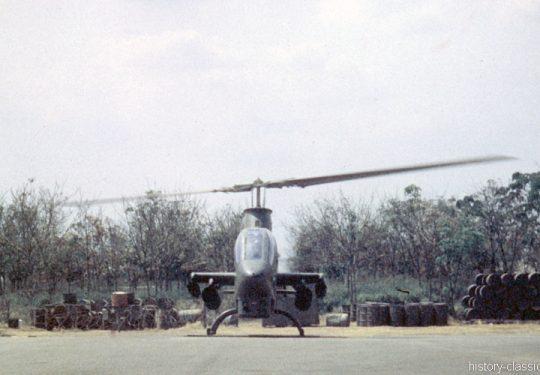 USA Vietnam-Krieg / Vietnam War - 935TH MED DET K O Vietnam - US ARMY / United States Army Bell AH-1G Cobra