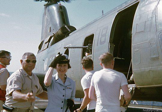 USA Vietnam-Krieg / Vietnam War - Naval Hospital Ships (US / United States Navy) - USMC United States Marine Corps Boeing-Vertol CH-46D