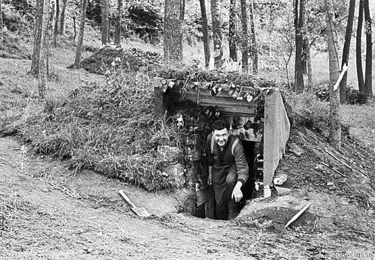 Wehrmacht Heer Schwere Feldhaubitze sFH 18 15 cm - Kommando- und Befehlsbunker