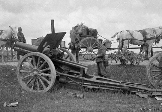 Wehrmacht Heer Armeepferde Pferdegespanne - Artillerie mit Feldhaubitze 388 12,2 cm - Beutegeschütz Ex Sowjetische Feldhaubitze 122 mm M1910/30