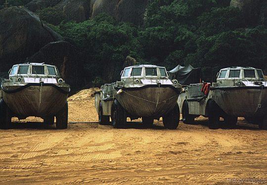 US ARMY / United States Army Lighter Amphibious Resupply Cargo LARC-V