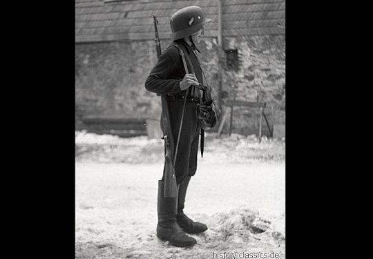Uniformen Wehrmacht Heer / Uniforms Wehrmacht German Army - Kindersoldaten / Child Soldiers