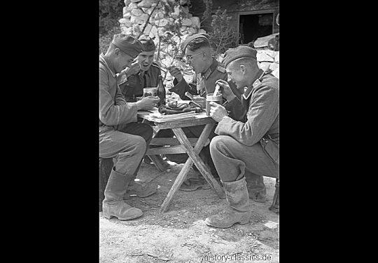 2. Weltkrieg Wehrmacht Heer – Grabenstellungen an der Ostfront