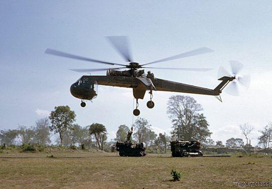 US ARMY / United States Army Sikorsky CH-54 Tarhe / S-64 Skycrane - USA Vietnam-Krieg / Vietnam War
