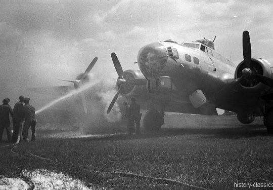 USAF United States Air Force Boeing B-17G Flying Fortress