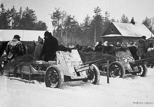 Wehrmacht Heer Armeepferde Pferdegespanne mit Panzerabwehrkanone  M1937 45 mm – Ex Sowjetische Panzerabwehrkanone 53-K / 53K 4,5 cm auf Winterschlitten