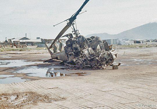 US ARMY / United States Army Bell UH-1D - Vietnam-Krieg / Vietnam War