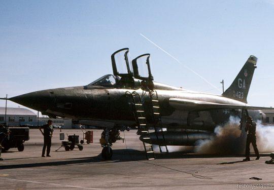 USAF United States Air Force Republic F-105G Thunderchief / Wild Weasel