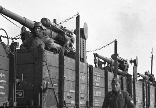 Deutsche Reichsbahn / Wehrmacht - Militärtransporte - Flugabwehrkanone FLAK 18 8,8 cm / 88 mm