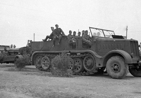 Wehrmacht Heer Vomag Sd.Kfz 9 FAMO Halbkettenfahrzeug / Schwerer Zugkraftwagen 18 t