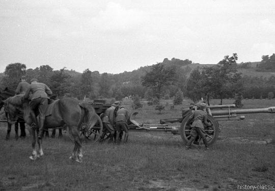 Wehrmacht Heer Ausbildung - Artillerie - Frankreich 1943 – Mit Leichter Feldhaubitze leFH 18 M 10,5 cm als Pferdegespann