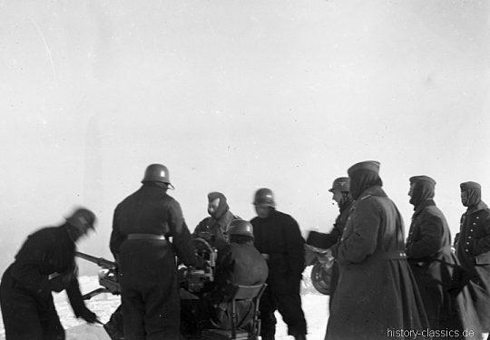 Wehrmacht Luftwaffe Ausbildung mit Flugabwehrkanone FLAK 30 2 cm