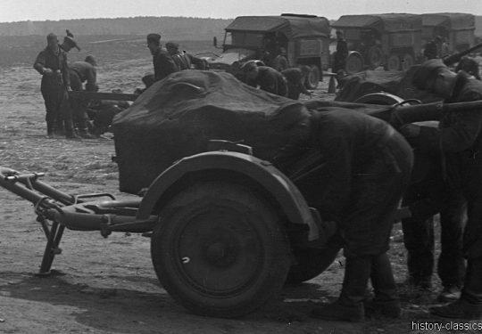 Wehrmacht Luftwaffe Kfz.81 Krupp-Protze mit Flak 30 2 cm