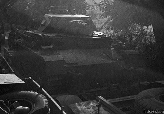 Wehrmacht Heer Panzerkampfwagen IV PzKpfw IV Panzer IV Ausf. D auf Panzertransporter