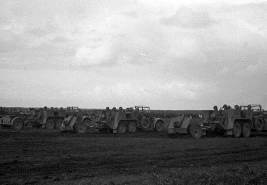 Wehrmacht Heer Leichtes Infanteriegeschütz 18 7,5 cm mit Kfz.81 Krupp-Protze - Münster 1935
