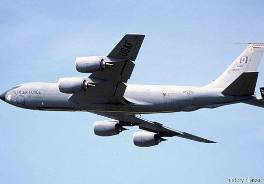 USAF United States Air Force Boeing KC-135R Stratotanker