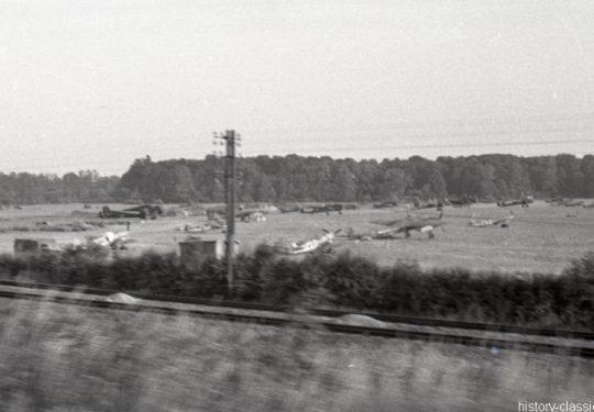 Wehrmacht Luftwaffe - Feldflugplatz