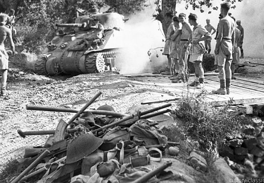 2. Weltkrieg Kanada Europa – Kanadische Armee / Canadian Army Armée Canadienne - Invasion Sizilien 10. Juli 1943 / Invasion Sicily 10th July 1943 Panzer Sherman III / Tank Mk III