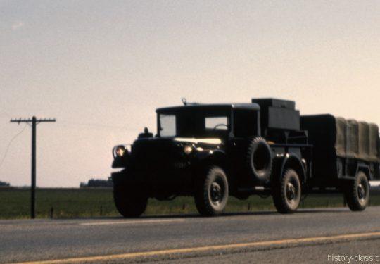 Kanadische Armee / Canadian Army Armée Canadienne - Geländewagen / Jeep Dodge 3/4-Ton Truck M37