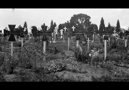 1. Weltkrieg Deutsches Heer - Soldatenfriedhof / Kriegsgräber / Gedenkstätten