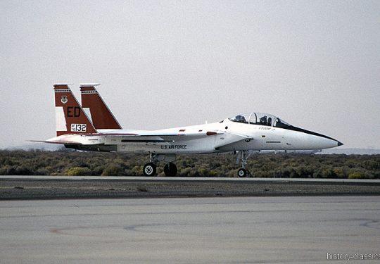 USAF United States Air Force McDonnell Douglas F-15B-16-MC Eagle