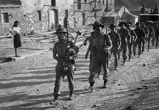 2. Weltkrieg Kanada Europa - Kanadische Armee / Canadian Army Armée Canadienne - Süditalien / Southern Italy - Wehrmachtssoldaten als Kriegsgefangene / German POW`s
