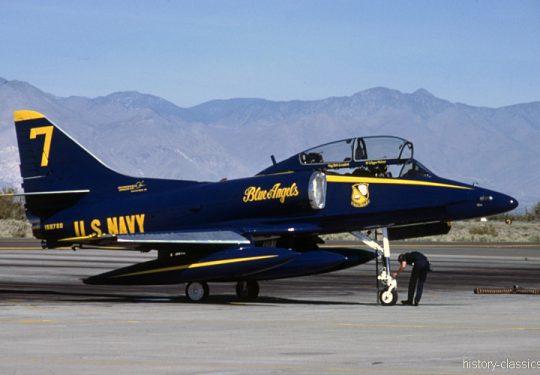 US NAVY / United States Navy Douglas TA-4J Skyhawk - Blue Angels