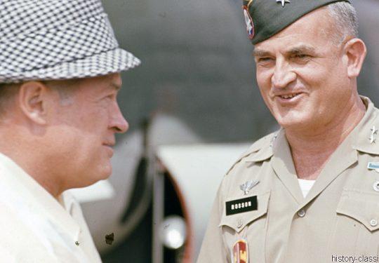 USA Vietnam-Krieg / Vietnam War - Unterhaltung - Truppenbetreuung / Entertainment - Troop Support with Bob Hope