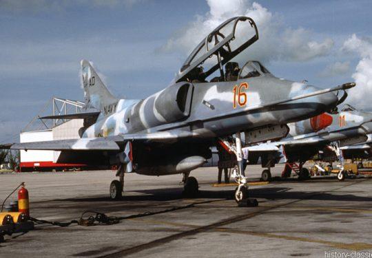 US NAVY / United States Navy Douglas TA-4J Skyhawk / Aggressor