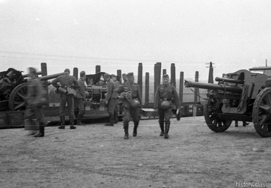 Leichte Feldhaubitze leFH 18 10,5 cm (Rheinmetall) - Verladung
