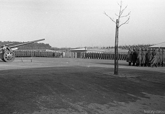 Wehrmacht Heer Ausbildung – Artillerie Regiment 39 - Morgenappell