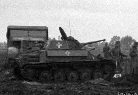 2. Weltkrieg Wehrmacht Heer – Schlammig im Niemandsland der Ostfront - PzKpfw II Panzer II mit Puma Turm / Luchs