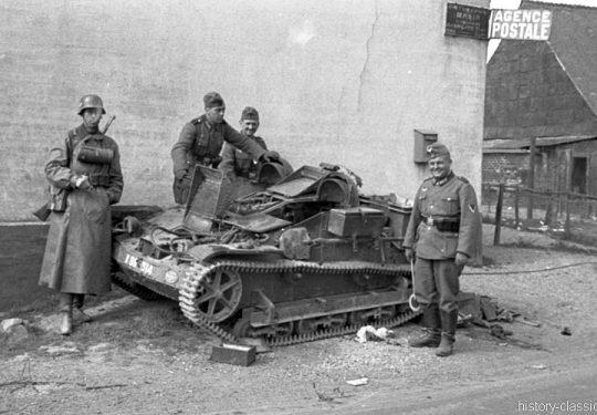 Wehrmacht Heer Transportpanzer und Artillerieschlepper Beutefahrzeug (Frankreich) Renault UE Chenillette - Frisch erbeutet in Frankreich
