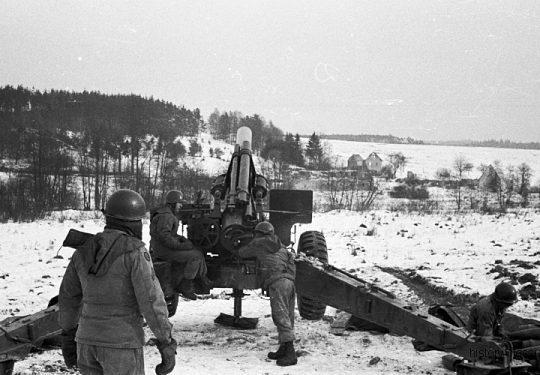 US ARMY / United States Army - 74th Field Artillery Battalion - Schwere Feldhaubitze M114 - M1 155 mm / Heavy Howitzer M114 - M1 6.1 Inch