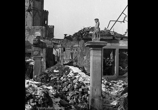 Ruinen und Wiederaufbau Frankfurt am Main 1945 bis 1949 - Nikolaikirche
