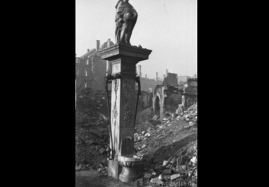 Ruinen und Wiederaufbau Frankfurt am Main 1945 bis 1949 - Schöppenbrunnen