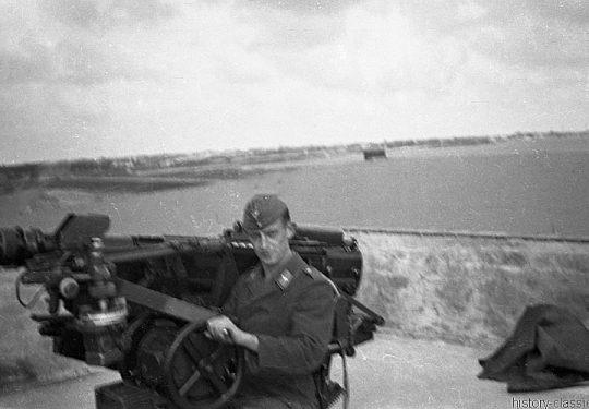 Wehrmacht Luftwaffe Flugabwehrkanone FLAK 18 3,7 cm / 37 mm