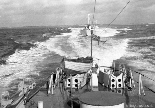 ROYAL NAVY Schnellboot / Fast Patrol Boat / Ex-MTB Motor Torpedo Boat - Vosper 73 ft Type II